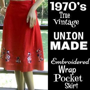 ▪️VTG▪️ILGWU▪️1970's Embroidered Wrap Pocket Skirt
